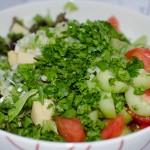 Нарязаните зеленчуци и малко добавен ементал