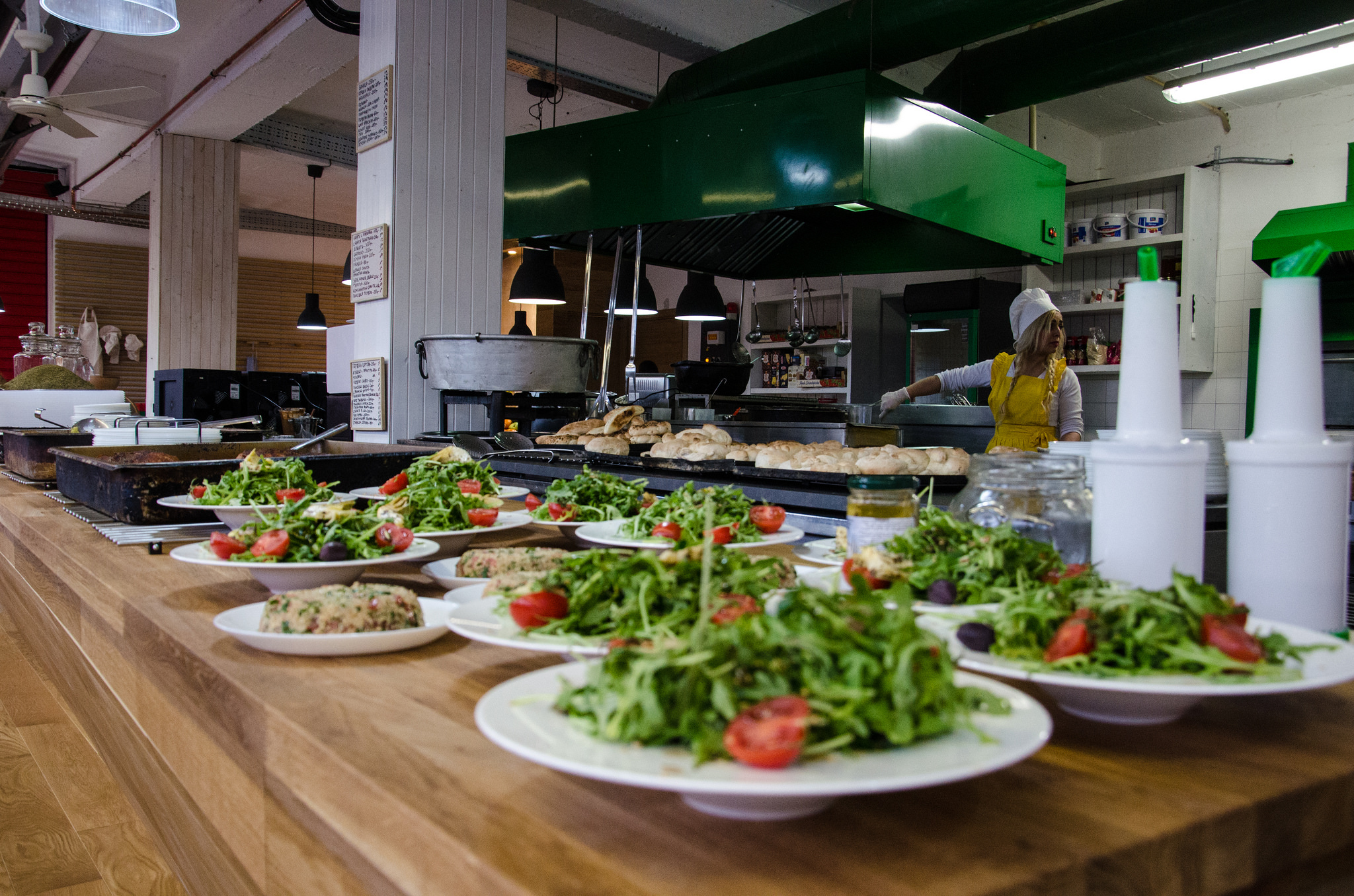 Фабрика за храна и танци